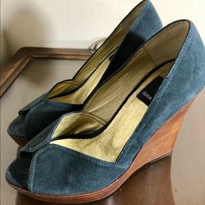 DOLCE VITA wedges open toe green 5.5 EUC platform